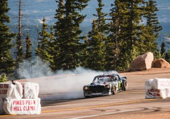 Climbkhana: Ken Block transforme Pike's Peak en parc d'attractions