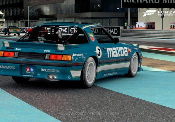 XBR Forza Motorsport Showroom – Mazda RX7 Fb Old School style